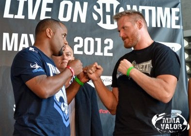 039_Cormier vs Barnett Strikeforce GPF
