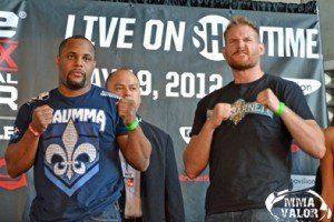 Strikeforce Heavyweight Grand Prix Finale Weigh-in results and Pictures