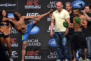UFC 148: Silva vs. Sonnen 2 Weigh-in Photos