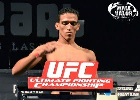 Charles Oliveira Looks to Continue His Featherweight Run at UFC 152